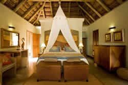 Dugong  Lodge offers 14 luxuriously appointed, air-conditioned chalets