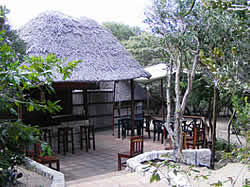 Nhanombe Lodge is a cluster of chalets in the Bush on the Beach situated in Zavora