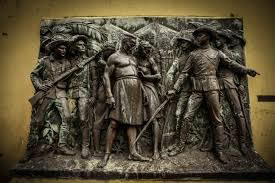 The capture of Ngungunyane, bronze, 2,80 x 1,90 m. Museum of Military History, Maputo